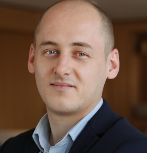 Jordan SCHEER:Consultant senior